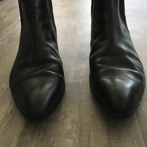 f8e4c26b2a418 Ted Baker London Shoes - Ted Baker Maki Leather Chelsea Boots in Black